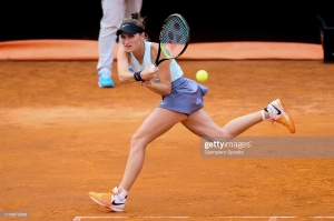 vondrousova french open 2019.jpg